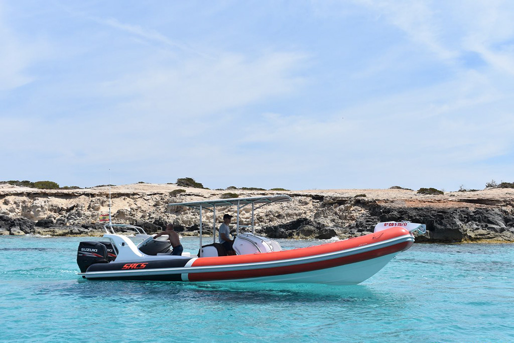 rent of semi-rigid boats in Ibiza SACS Samurai