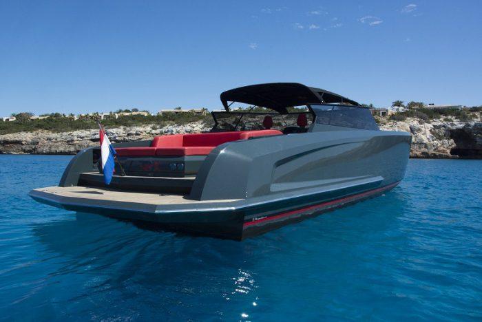 ibiza rent yacht luxury VANQUISH-VQ48 LADY THUNDERc