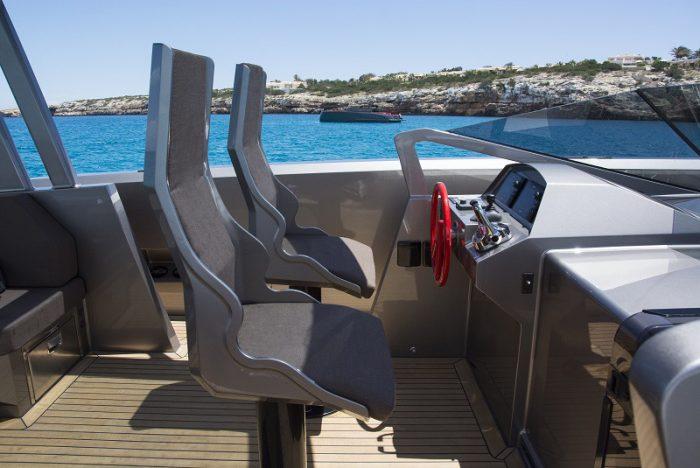 ibiza rent yacht luxury VANQUISH-VQ48DC