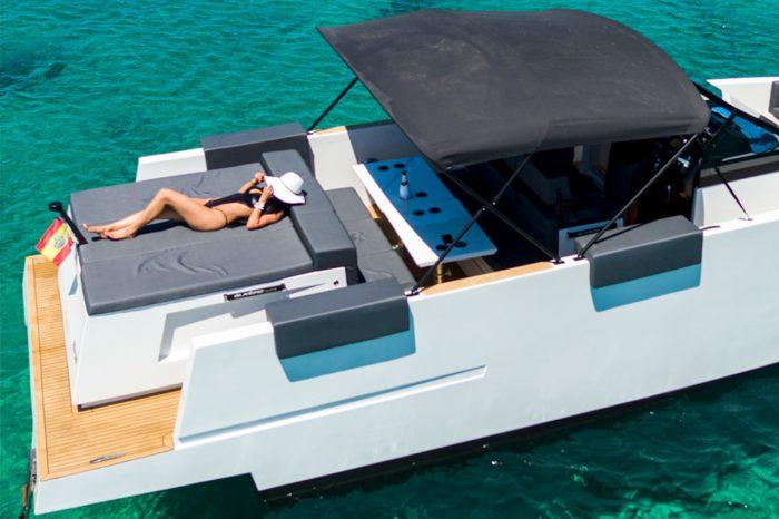 Smart charter Ibiza with Moana